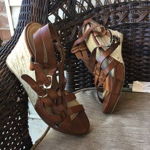 Chinese Laundry Tan Wedges 10